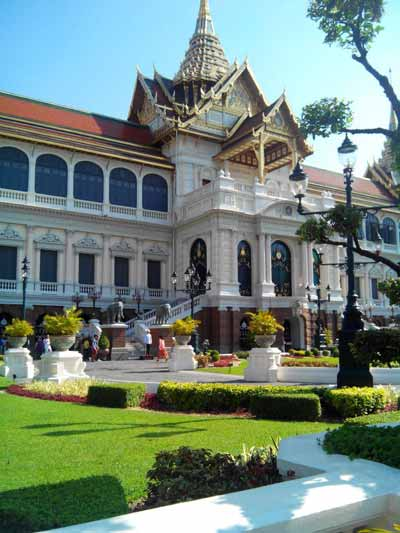Phra Thinang Chakri Maha Prasat group - Grand Palace