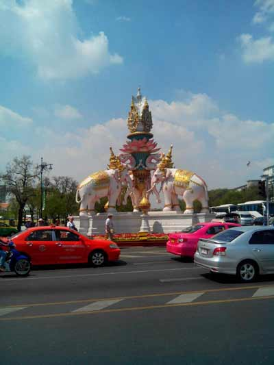Elephant statues on roundabout outside Grand Palace, Bangkok