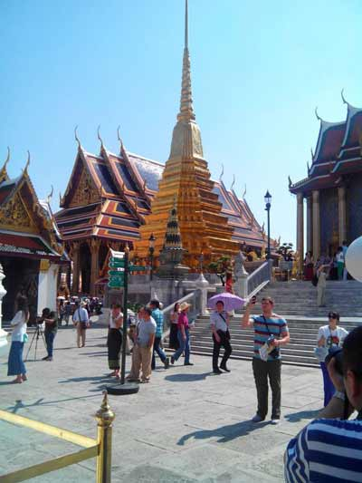 Temple complex and crowds at Wat Phra Kaeo