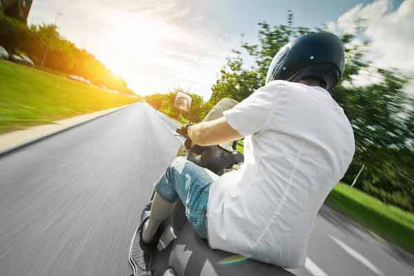 motorcyclists should avoid tailgating
