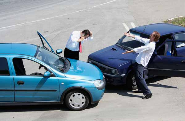 traffic accident between two drivers
