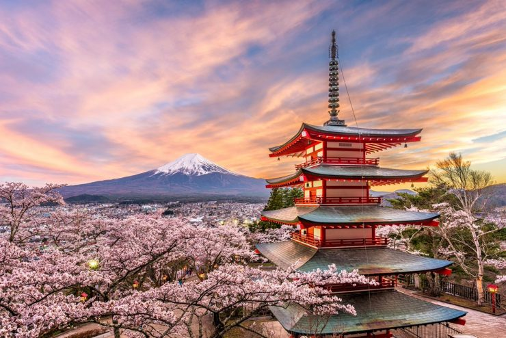 A year-round travel guide for Japan-lovers