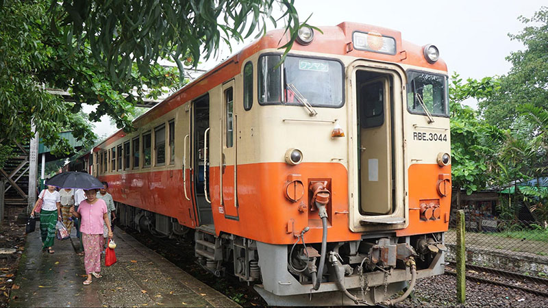 Myanmar Travel - Explore Yangon's countryside on the Circular Train
