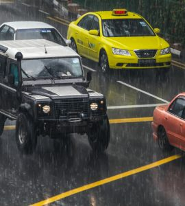 DirectAsia Insurance_A rainy day with cars on the roads