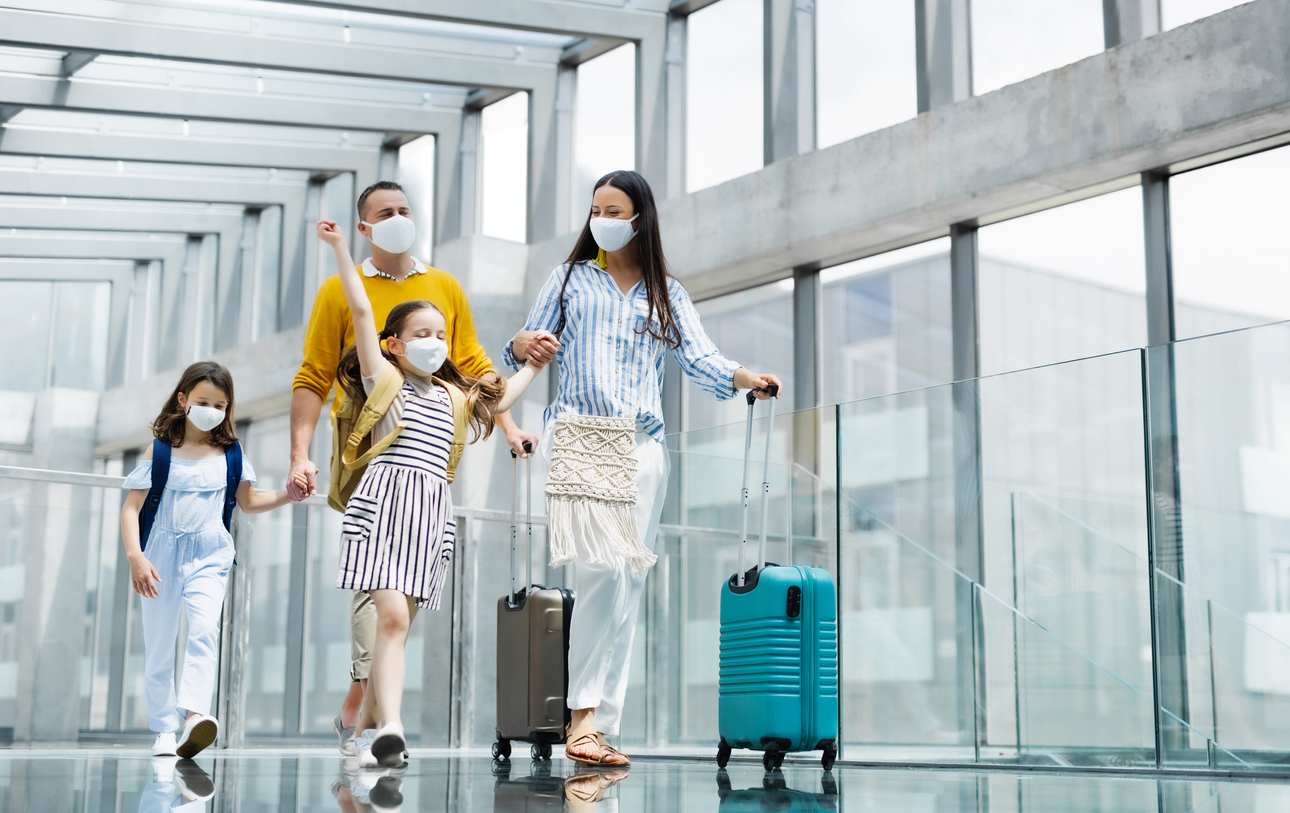 DirectAsia Insurance_Family of four with luggages